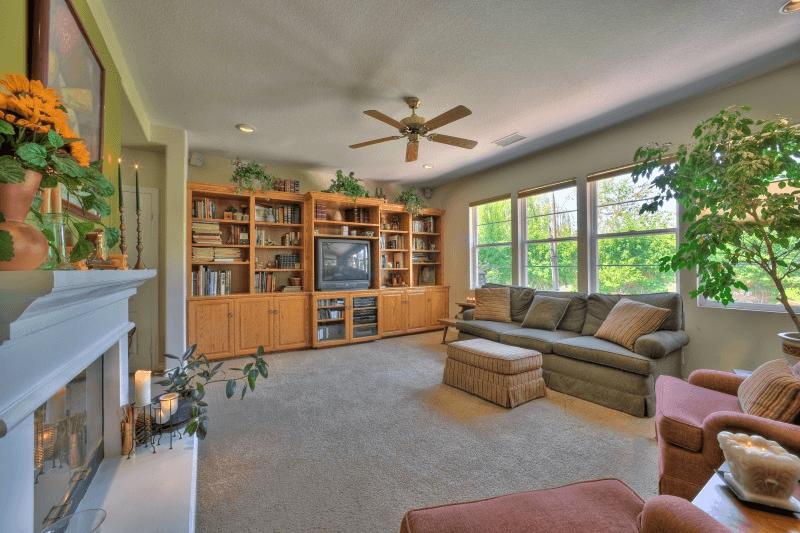 ceiling-fan-lounge
